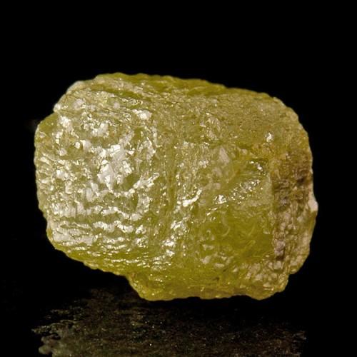 1.43ct YellowGreen DIAMOND CRYSTAL Dodecahedral Sh...