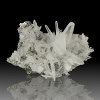 "1.4"" JAPAN LAW QUARTZ Crystal on 2.9"" Matrix w/Porcupine Quartz Peru for sale"