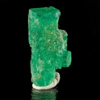16mm 6.6ct Vivid Green Double Terminated Gemmy 100% Natural EMERALD Crystal Muzo Colombia for sale