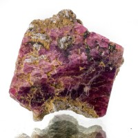 "1.5"" Sharp Raspberry SPINEL Glassy Hoppered Octahedral Crystal Tanzania for sale"