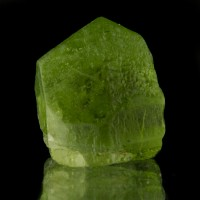 ".7"" 32.6ct Grass Green Gem PERIDOT Translucent Glassy Crystal Pakistan for sale"