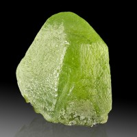 "0.8"" 26.8ct PERIDOT Terminated Crystal Asparagus Green Color Pakistan for sale"