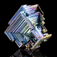 "2.4"" Bright MetallicBlue-Yellow-Magenta BISMUTH Hopper Crystals England for sale"