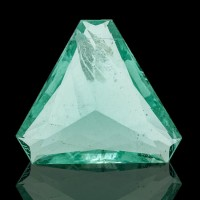 24.1ct 22mm Emerald Green Triangle Cut FLUORITE Gemstone Untreated NH for sale