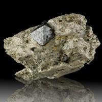 "4"" Sharp Black Octahedral MAGNETITE Crystals to1.2"" in Matrix Australia for sale"