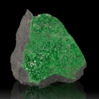 """3"""" SuperSaturated Green SuperSparkly UVAROVITE Crystals to 2.5mm Russia for sale"""