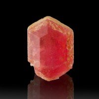 12mm 7.7carat Gemmy Raspberry Red PEZZOTTAITE Beryl Crystal Madagascar for sale