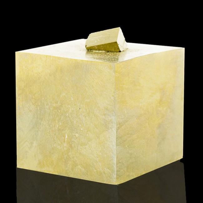 "2"" Shiny Brassy Gold PYRITE SharpPenetratingTwin Crystals Navajun Spain for sale"