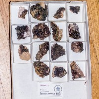 Wholesale Flat 15 pieces Botryoidal HEMATITE Crystals New Hampshire @$3 for sale