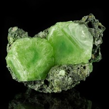 """4.1"""" Green ALUM SharpGemmy Octahedral Crystals to 2.1"""" Poland Lab Grown for sale"""