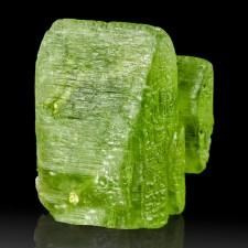 ".7"" 16ct Glassy Gemmy Green PERIDOT Sharp Translucent Crystal Pakistan for sale"
