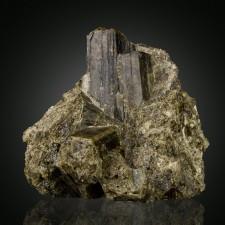 "4"" Shiny Dark Green VESUVIANITE Sharp Geometric Crystals Sanford Maine for sale"